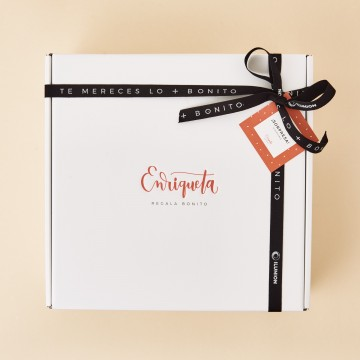 caja de regalo Enriqueta Regala Bonito, color blanco, con lazo de raso negro