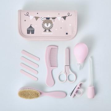 Neceser para bebé rosa de Miniland Baby con kit de accesorios para la higiene y el cuidado del bebé