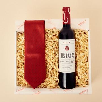 Sofisticación con vino y corbata
