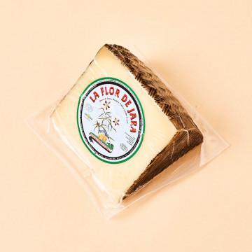 Cuña de queso curado Flor de Jara