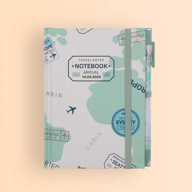 Libreta verde con bolígrafo a juego Travel