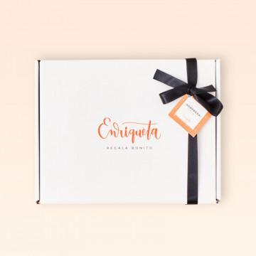 Caja con regalos gourmet Enriqueta