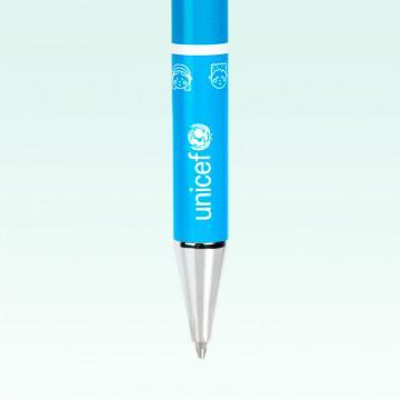 Bolígrafo solidario UNICEF metálico, color azul, decorado con rayas azules