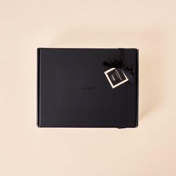 Caja sorpresa color negro Enriqueta Regala Bonito